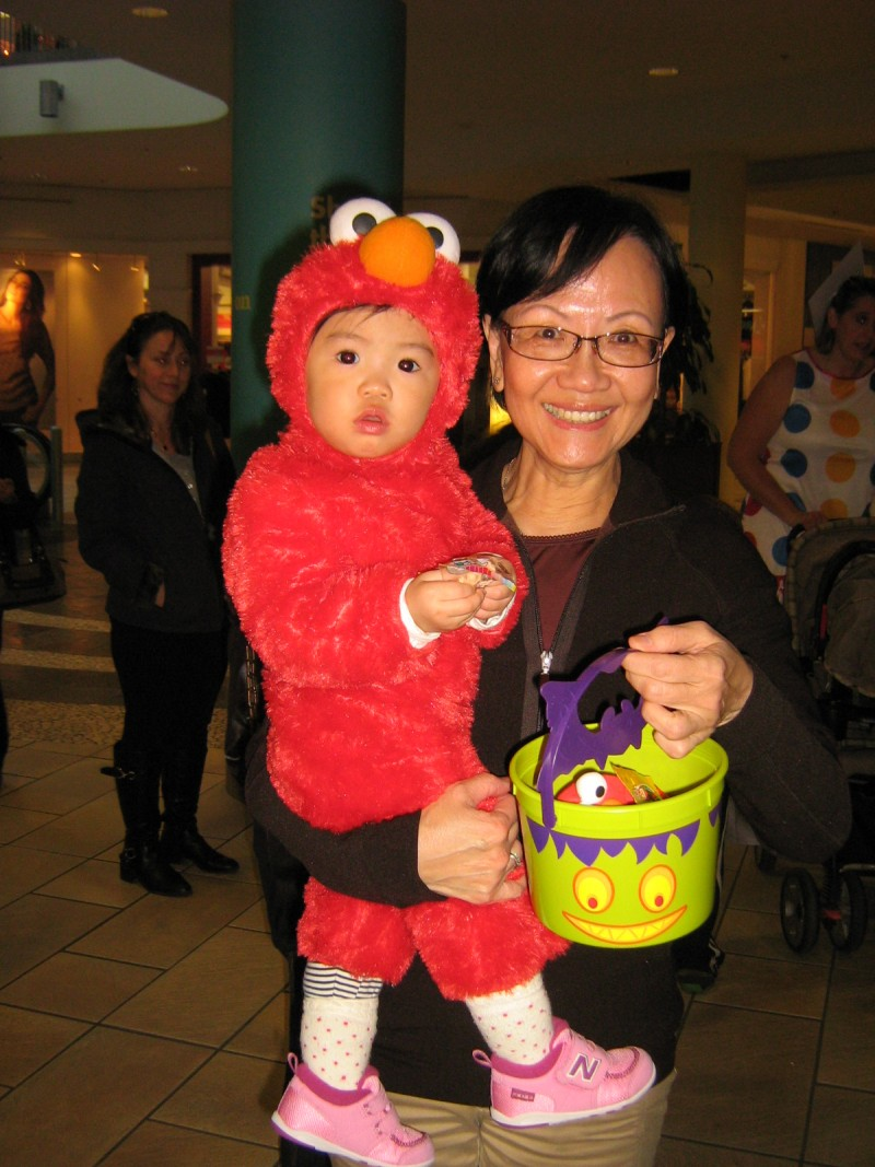 Halloween 2011 at Lougheed Mall Dental 3