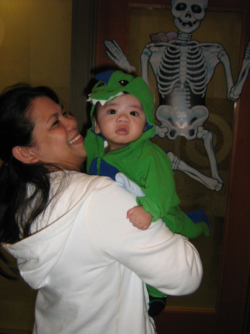 Halloween 2011 at Lougheed Mall Dental 6